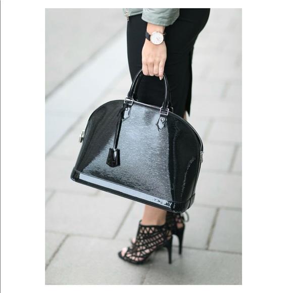102b1e69958 Louis Vuitton Handbags - Electric Epi Alma MM no bundle discount